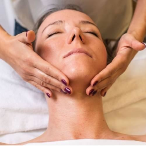 Hydration clarifying treatment with collagen eye mask